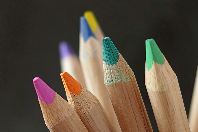 trojhranné pastelky.jpg