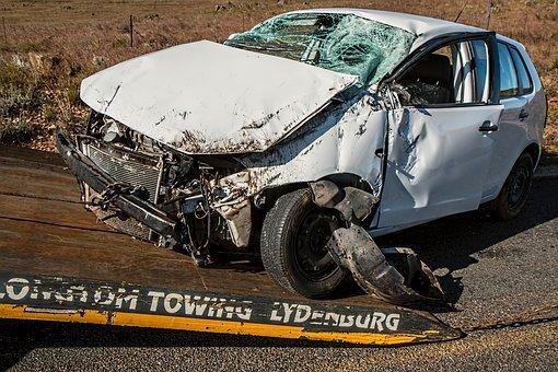 poškozené auto